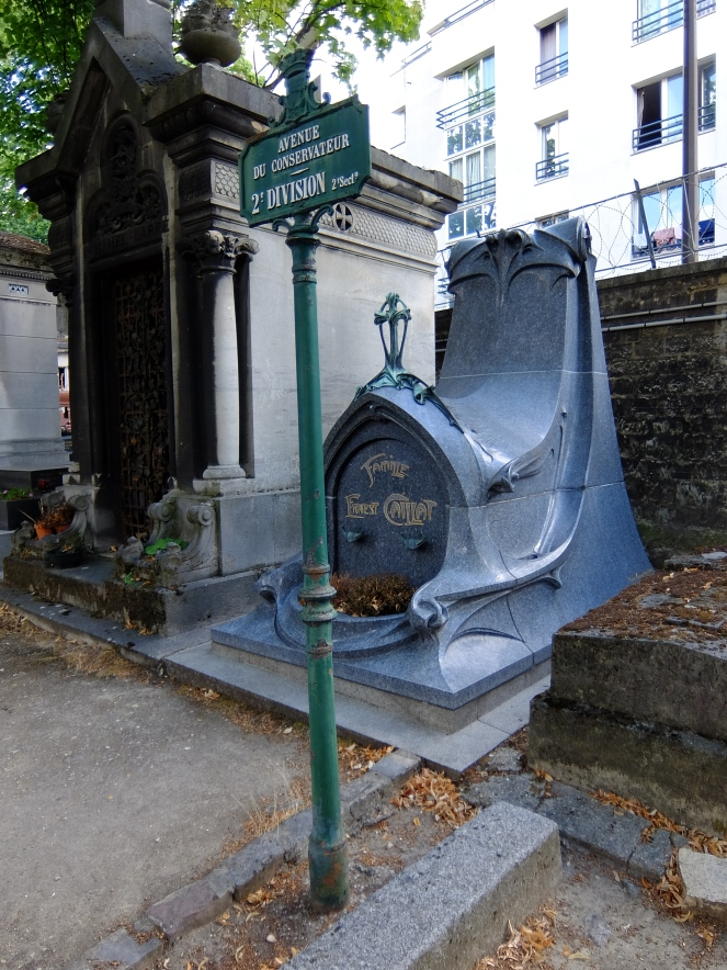 Caillat's tomb in pere lachaise