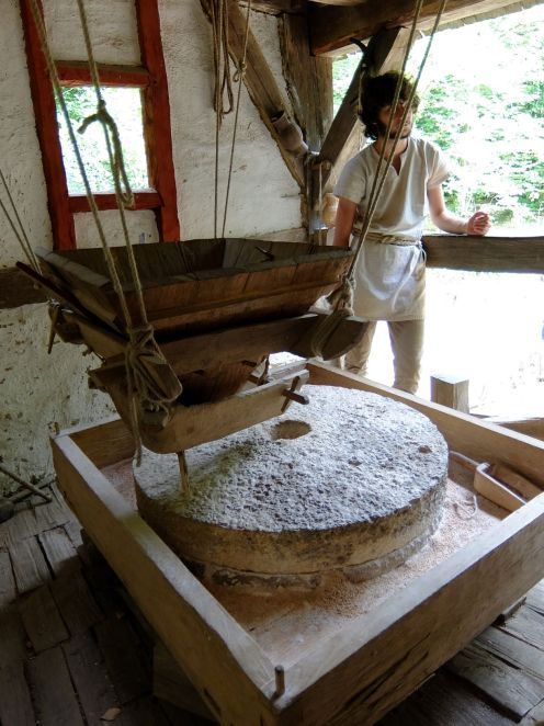 guy explaining how a windmill and grindstone works