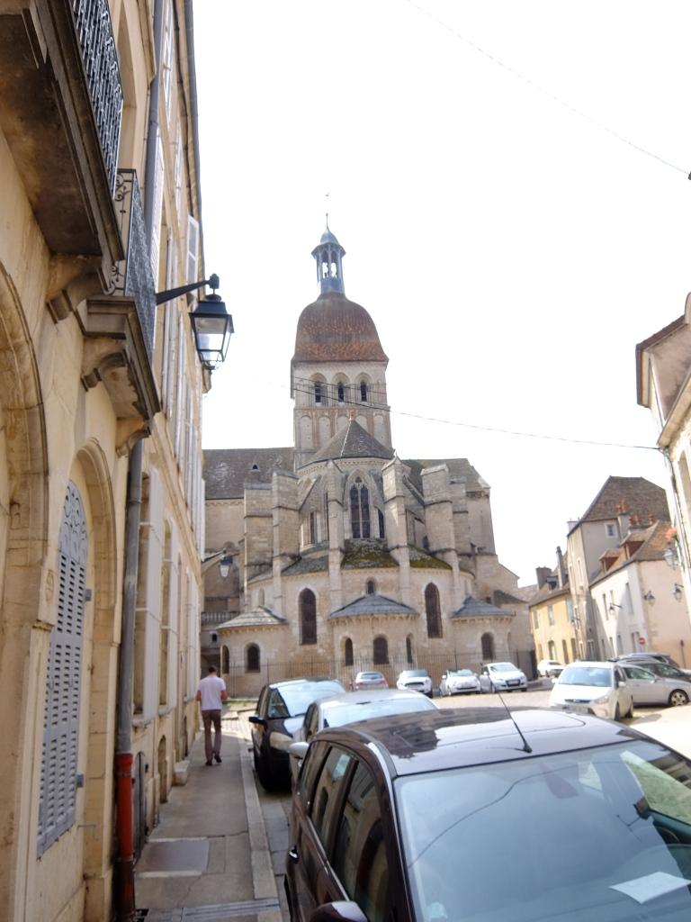 back of Basilique Notre-Dame de Beaune