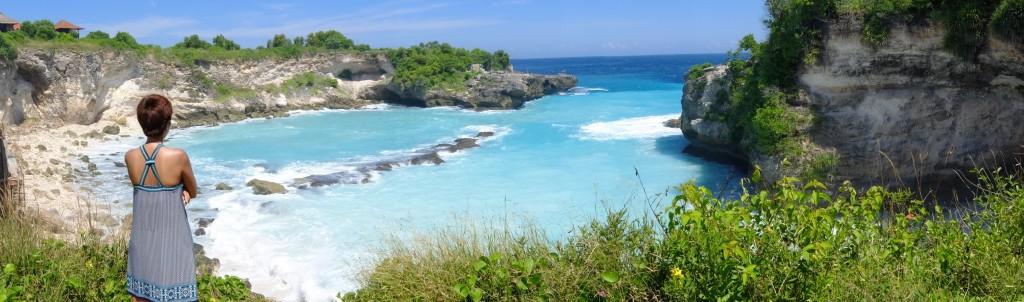 Blue lagoon view in Nusa Ceningan Bali
