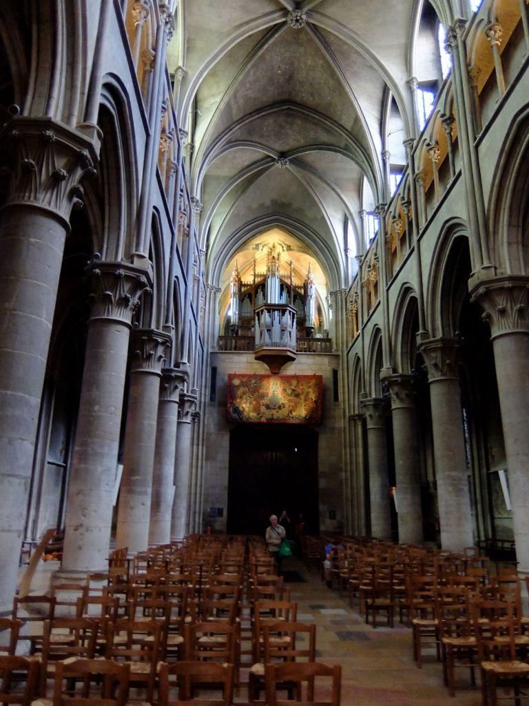 interior dijon cathedral
